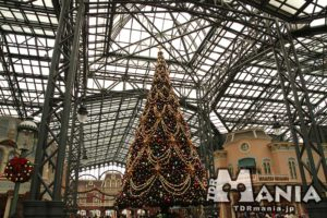 ワールドバザールのクリスマスツリー