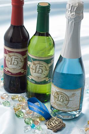 ボトルワイン (c)Disney