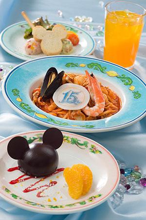 カフェ・ポルトフィーノのスペシャルセット (c)Disney