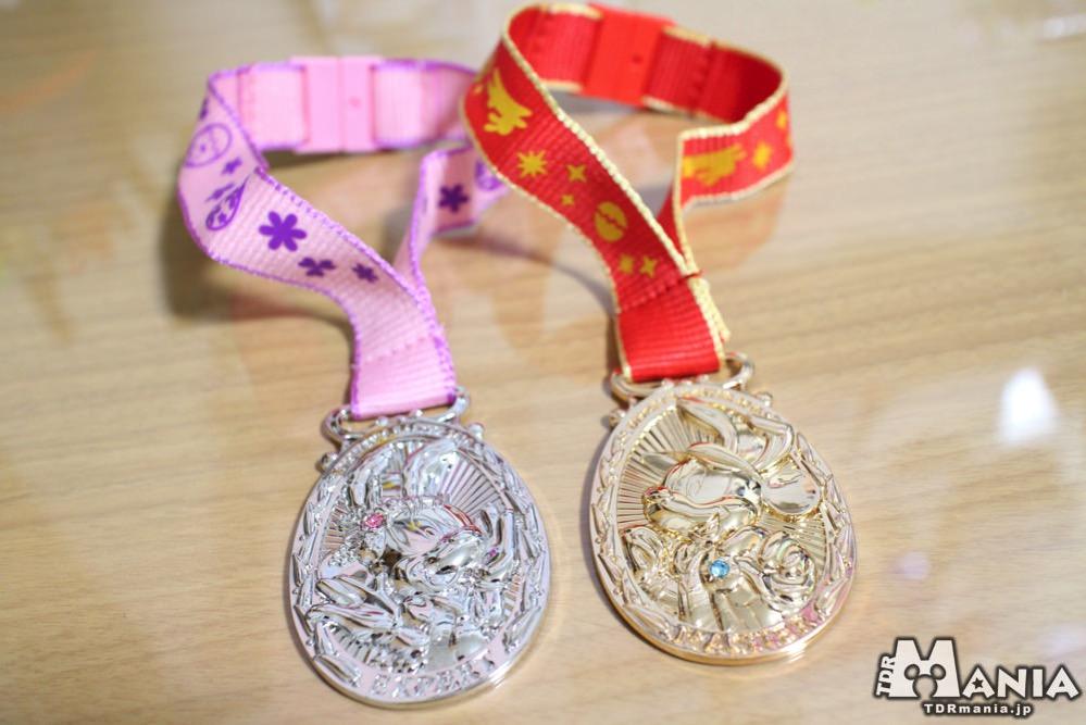 バッグチャームになったメダル