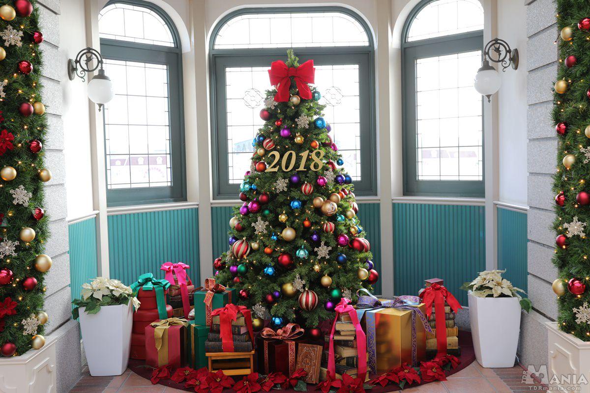 東京ディズニーランド・ステーションのクリスマスツリー