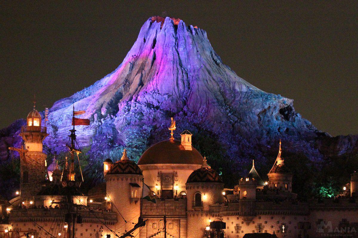 プロメテウス火山 ライトアップ